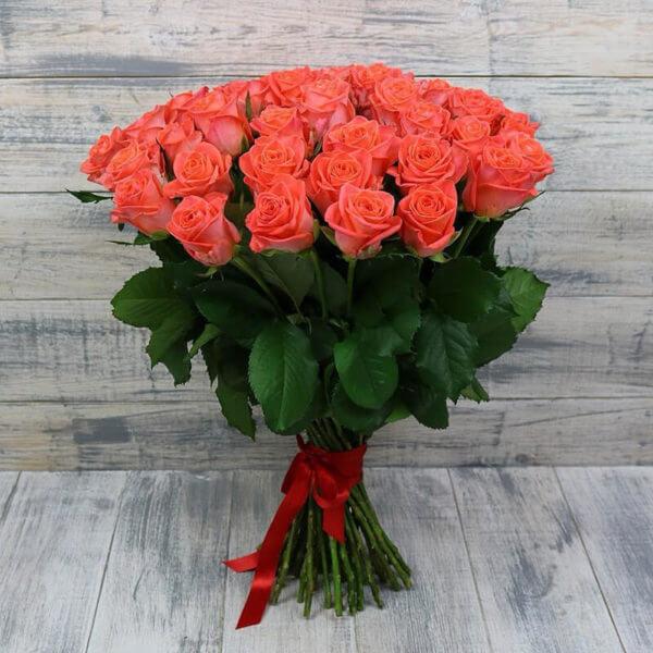 51 розу дешево