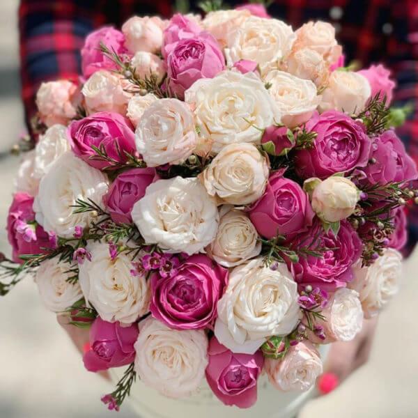 доставка роз в коробке