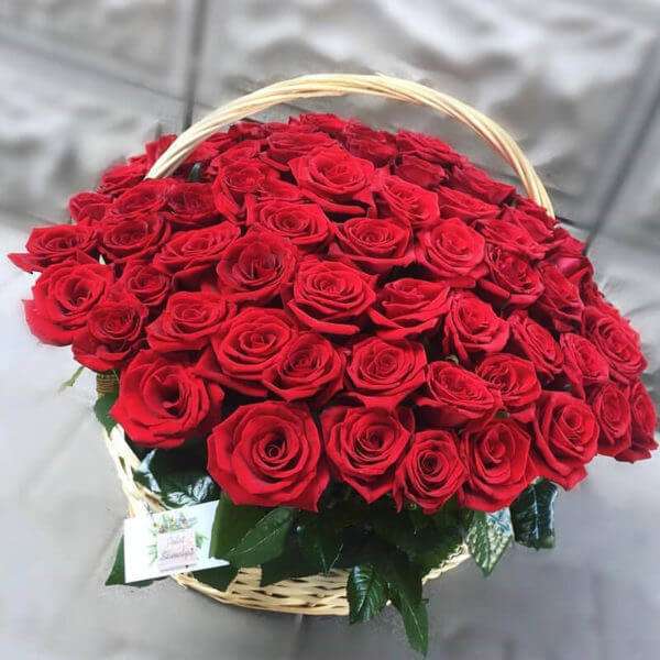 купить корзину роз