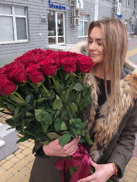 доставка цветов московский