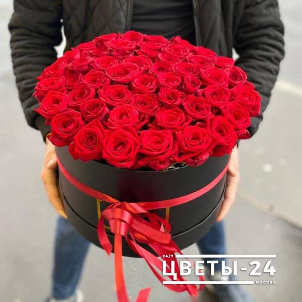 купить 51 розу в коробке