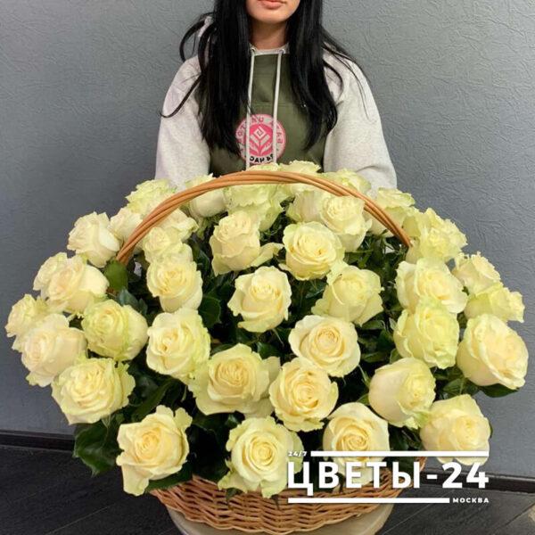 51 роза в корзине Москва